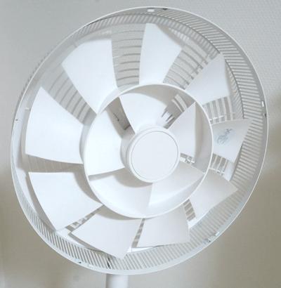 バルミューダ扇風機グリーンファンホールド