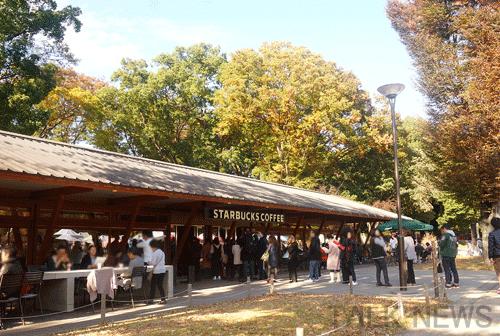 上野公園スターバックス