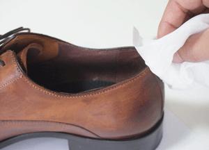 革靴の靴擦れ対策 革を柔らかく